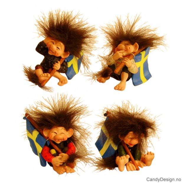 Sittende troll med svensk flagg