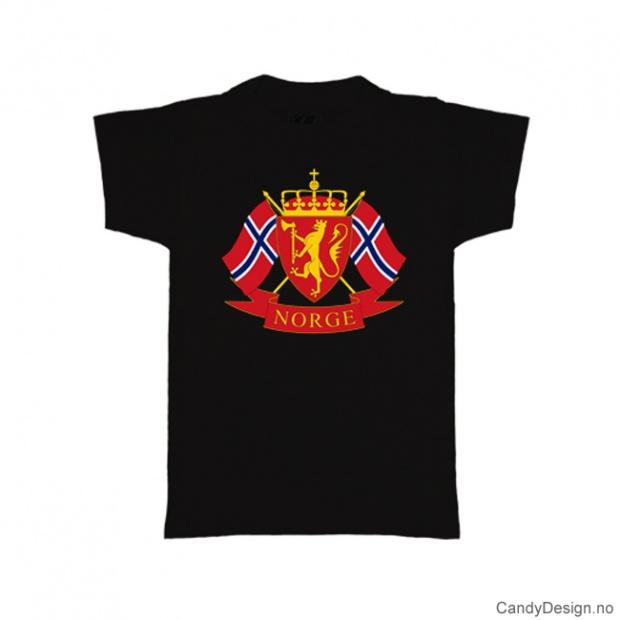 L- Herre Classic T-skjorte sort med riksvåpenet og to Norske flagg