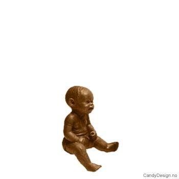 Kantsittende barn i bronse - Baby
