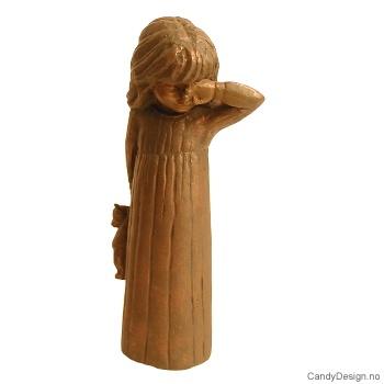Jente i nattkjole med bamse - Bronse