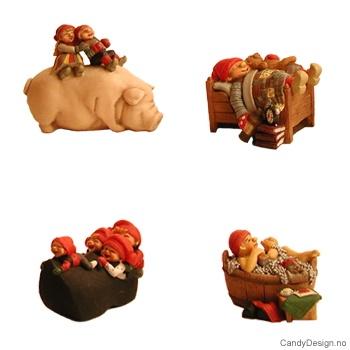 Assorterte mininisser i seng/gris/sko/stamp