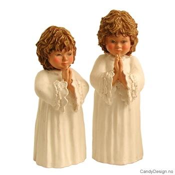 To småbarn i bønn
