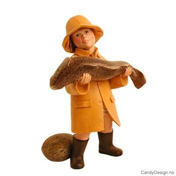 Enkle barn tilbake fra fisketur - Pike med stor fisk i hendene