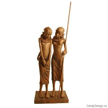 To Masaipiker sammen skulptur