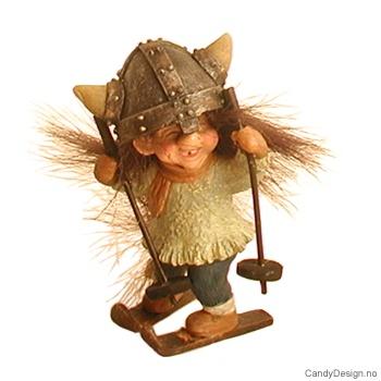 Vikingtroll på ski med fluffy hår