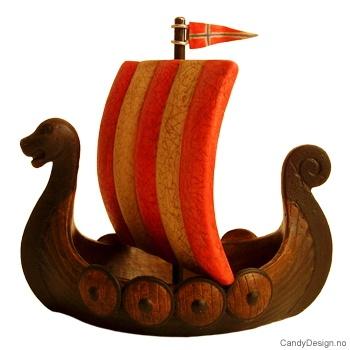 Avlangt suvenir vikingskip med seil