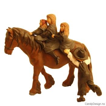 Søskenflokk på hest