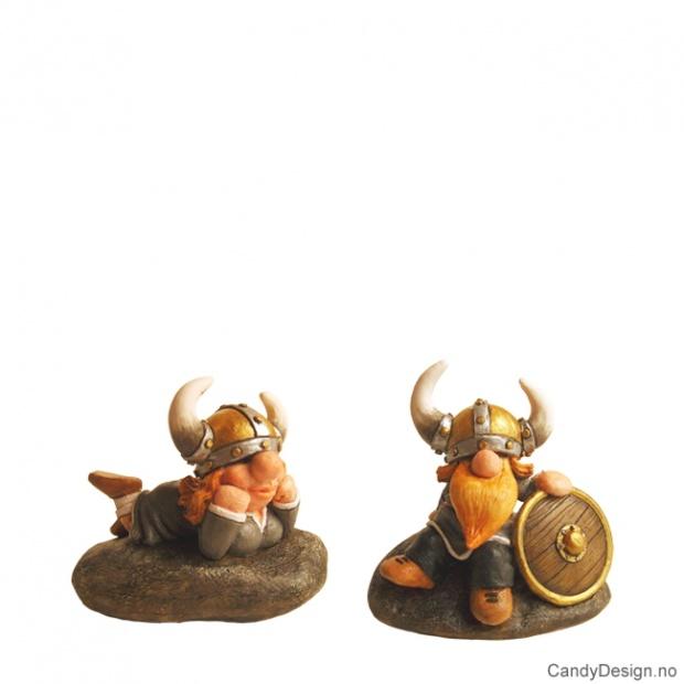 Vikinger sittende på stein